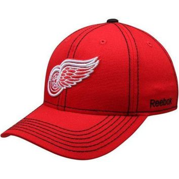 ONETOW NHL Detroit Red Wings Red Basic Structured Adjustable Hat