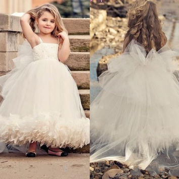 Fast Shipping Holy First Communion Dresses For Little Girls Spaghetti Strap Ruffles Ball Gown Flower Girls Dress Custom Made