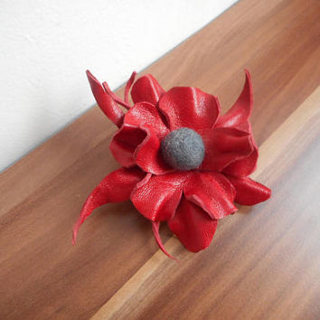 Flower Leather brooch,leather pin brooch,leather jewelry,Leather,Natural leather brooch,hand,Unique,pins,red leather brown,art,brown jewelry