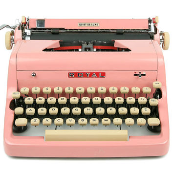 1957 Pink Royal Quiet De Luxe Typewriter / Professionally Serviced / Pink Typewriter / Royal Typewriter / Working Typewriter / Mothers Day