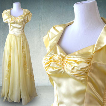1940s Evening Gown in Yellow Satin and Chiffon with Satin Appliqués