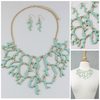 UNIKLOOK Jewelry Mint Green & Gold Reef Coral Branch STATEMENT Necklace Earrings Set