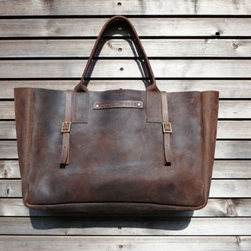 Vintage look waxed leather bag  in brown COLLECTION UNISEX