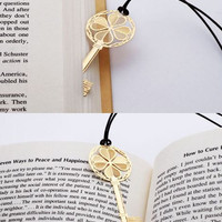Metal Bookmark Flat/ Korea Stationery Book Bookmarks/ Thankgiving Wedding Birthday Favor Book Markers Art Gold Key b09