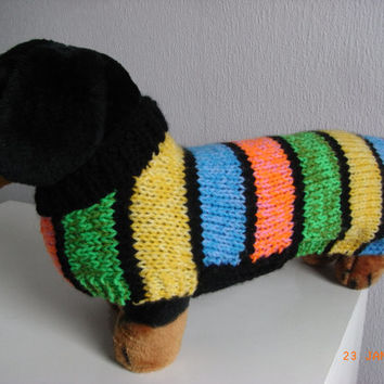 Dog sweater hand knit worsted weight miniture daschund / doxie, yorkie, dashund sweater,dog sweater, dashund coat, hand knit doxie sweater,