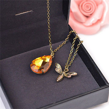 1x  Charm Jewelry Chain Crystal Bee and Honey Necklace Golden Rhinestone HU