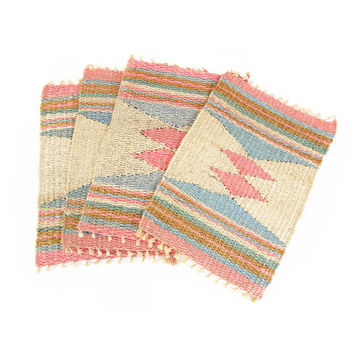 Vintage Woven Placemat -- Southwestern Straw Placemat -- Geometric Pastel Color -- Sisal Fiber Place Mat or Woven Wall Hanging -- 19 x 13