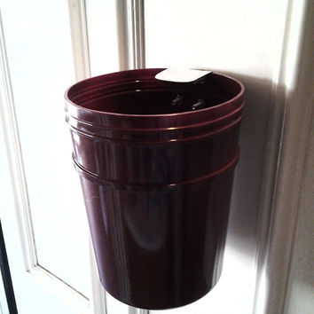 Burgundy Plastic Magnetic Mini Trash Can Container, Magnet Trash Can Container, Waste Paper Basket, Trash Basket, Plastic Trash Can