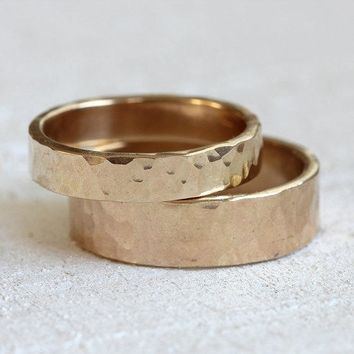 Hammered Wedding ring set 14k gold