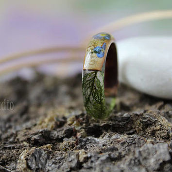 Forget me not ring Birch bark ring Moss resin ring Wood resin ring Nature resin ring Rustic ring Eco Friendly Forest Jewelry Gift for her