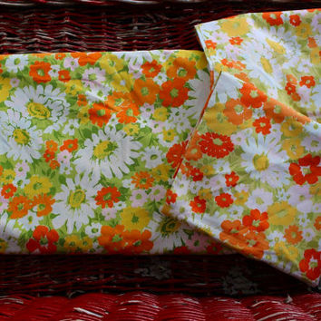 Vintage Double Sheet - pillow cases - Floral Daisey Vintage Bedding - Green Yellow White Orange  Flowers Fabric Linen set Bed set