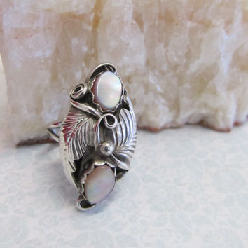 Vintage Mother of Pearl and Sterling Silver Floral Style Native American Ring- US Size 5.25