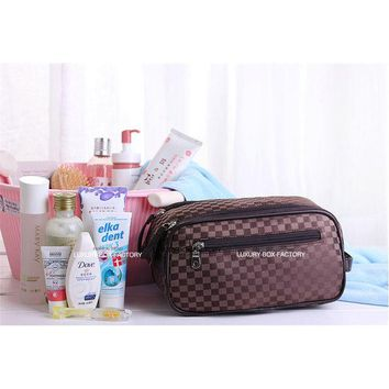 DCCKJG2 Luxury Designer Men 3 zip Large Cosmetic Bag Travel Organizer Toiletry Pouch Bag