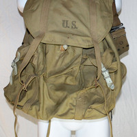 1943 WWII Military Mountain Soldier Cargo Combat Backpack Frame with Pistol Belt Found Inside X2