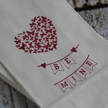 10 Hand stamped heavy paper favor bags - BE MINE - Valentine, Wedding, Anniversary - Gift bags, party supply