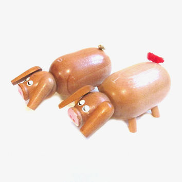 Vintage Salt and Pepper Shakers, Wooden Pigs