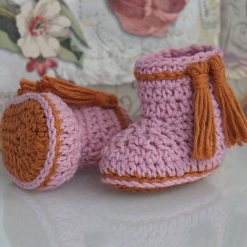 Crochet baby booties,ready to ship,perfect for holiday or baby shower gift