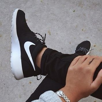 NIKE ROSHE classic trend of breathable men and women sports and leisure running shoes Black