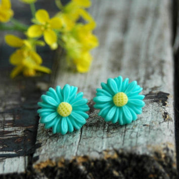 Teal Daisy Earrings . Bridesmaid Earrings . Flower Girl Jewelry . Teal Wedding Jewelry . Flower Stud Earrings . Unique Bridesmaid Gift Ideas