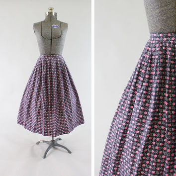 Vintage 1950s Strawberry Skirt -  Size XS Small Full Skirt Fashion Clothing / Gray & Pink