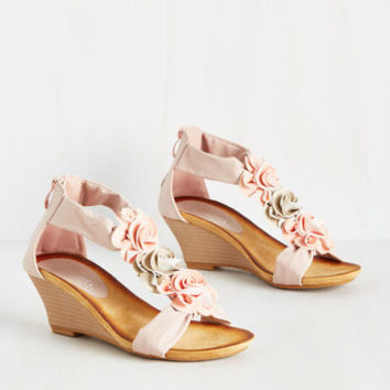 Rosette for the Day Wedge | Mod Retro Vintage Heels | ModCloth.com