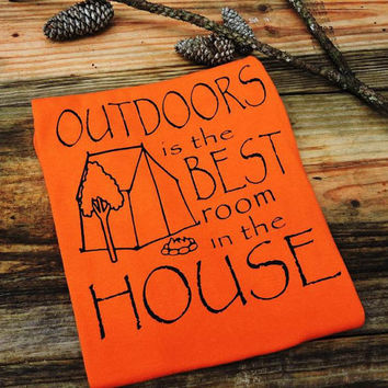 Outdoors is the best room in the house-outdoor shirt-camping shirt-hiking shirt-birthday gift-nature lover gift-camping gift-AppleCopter