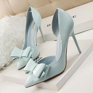 2016 fashion delicate sweet bowknot high heel shoes side hollow pointed women pumps