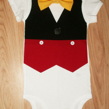 Boys birthday outfit Baby boy first birthday outfit Infant vest Boys coming home outfit Newborn take home outfit Smash cake Boys Mouse vest