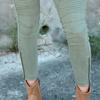 Set Me Free Jeggings - Olive