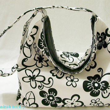 SUMMER SALE - Shoulder Bag - Black and White Flower / Hobo Purse / Slouchy Bag / Market Tote