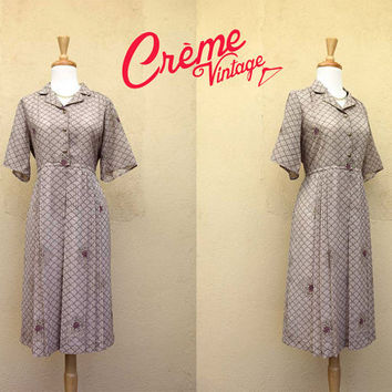 Vintage 40s 50s Greyish Brown Floral Pattern 'New Look' Short Sleeve Wide Pleat Shirtwaist Dress