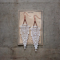 art deco lace statement earrings // HIPPOLYTA // gatsby // ivory // fringe // boho wedding // chevron // downton abbey style