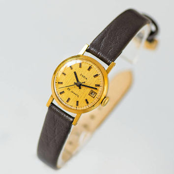 Classic women's watch Dawn, vintage gold plated watch minimalist, lady watch small 70s fashion, yellow face watch, new premium leather strap