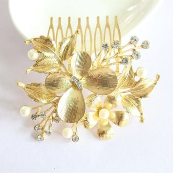 Butterfly Gold Wedding Comb/Floral Hair Comb/Wedding Crystal Comb/Bride Hairpiece/Bridesmaid Hair Comb/Leaf Hair Clip/Hair Accessories