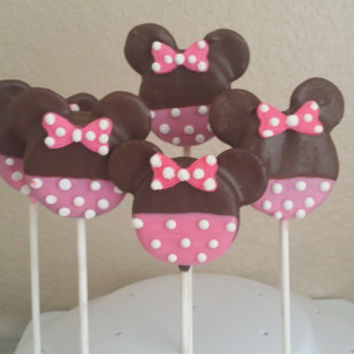 Minnie mouse chocolate dipped oreos
