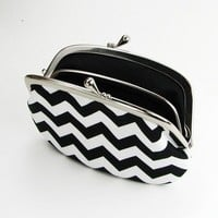 Black and White Chevron Flat Frame Purse with Divider