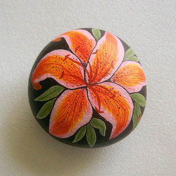 Stargazer day lily, Gift Ideas, Gardener Naturalist, Unique OOAK Collectible Painted Rock, 3D Art Object, handmade collectibles keepsakes