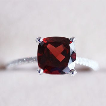 VS 8mm Red Garnet Ring Pave Diamond 14K White Gold Ring Garnet Engagement Ring Wedding Ring