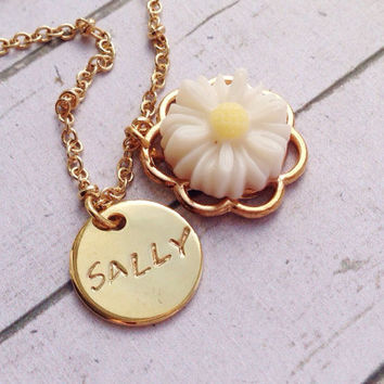 White Daisy Necklace. Daisy Flower Necklace with от SimplyAGem