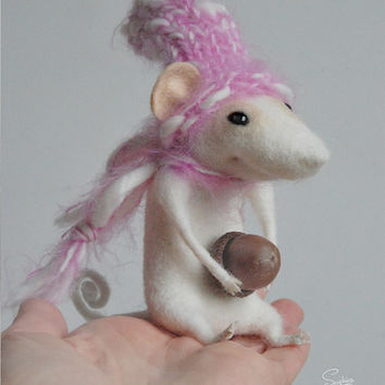 Felted mouse, needle felt mouse, cute mouse, wool character, woolen animal, felted miniature, art doll, tender mouse