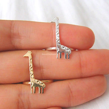 Giraffe ring - Gold and Silver; cute, dainty giraffe ring,  knuckle ring, midi ring, mini ring, chic and modern, animal ring