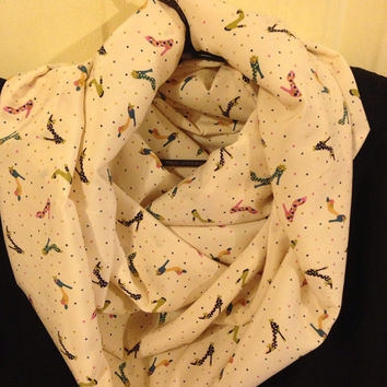 Handmade womens infinity scarf with heels pattern