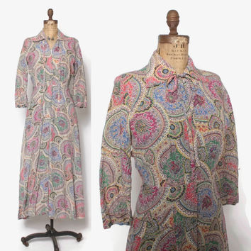 Vintage 40s DRESSING GOWN / 1940s Bright Paisley Rayon Hostess Dress Robe S