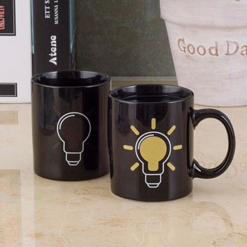 Black Heat Changing Light Bulb Mug Temperature Magic Discoloration Coffee Cups Ceramic Heat Sensitive Changing Cup 7PLPH709027 (