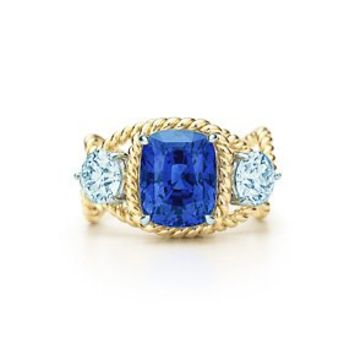 Tiffany & Co. -  Jean Schlumberger Rope Ring with an unenhanced sapphire in 18k gold.