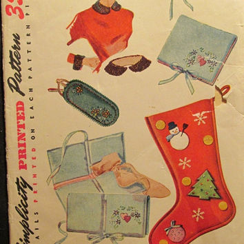 SALE Uncut 1950's or 60's Sewing Pattern. 4519! Christmas Stocking/Hosiery/Handkerchiefs/eyeglass case/Collar & Cuffs/Transfers