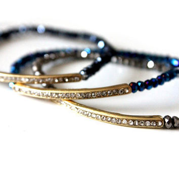 Elastic bracelet - Summer bracelet with a navy blue crystals and gold bar with rain-stones