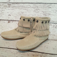 Minnetonka Ladies Double Fringe- Stone