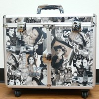 Professional Salon Stylist Make-Up Case with Appliance Holders, 4 Wheels, Retractable Handle, Safety Locks and 2 Keys