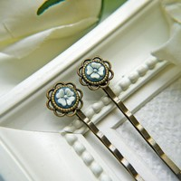 Vintage White And Blue Flower Cabochon Hair PIns. Antique Brass Finish Flower Setting Bobby Pins   Luulla